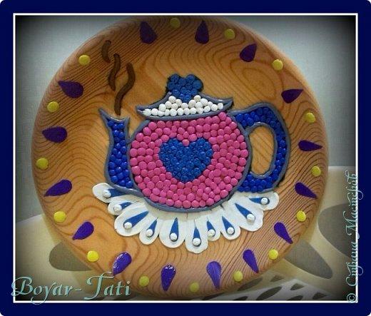 Наш с дочей дебют в пластилинографии))  Вот такой чайничик мы попытались изобразить с помощью пластилина)))  фото 3