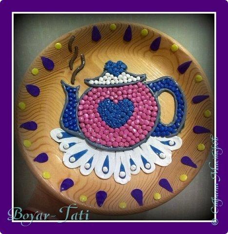 Наш с дочей дебют в пластилинографии))  Вот такой чайничик мы попытались изобразить с помощью пластилина)))  фото 1