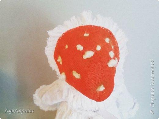 Мухомора.Кукла в технике грунтованный текстиль+декупаж.Только его под одеждой не видно.  фото 4