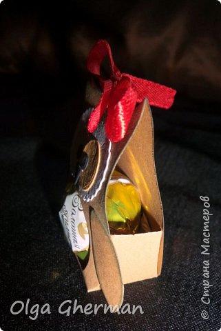 """Здравствуйте, дорогие жители Страны Мастеров! Сделала в этом году , помимо открыток, шоколадниц и других """"приятностей"""" небольшие комплименты-СОВУШКИ для учителей. Вызвали Совушки море умиления и положительных эмоций. Вот , что у меня получилось: фото 6"""