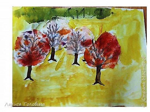 Занимаясь на курсах Татьяны Николаевны, познакомилась с различными техниками. Появилось много идей. Осенние деревья делали второклассники на внеурочке. К сожалению, фото не совсем получились. фото 5
