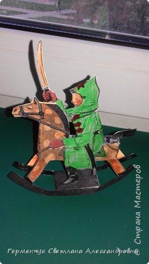 """Добрый вечер , СМ  !!!  В детском журнале увидела  схему  объемной  игрушки качалки  """" Красноармеец"""".  Вырезала и склеила. Получился отважный маленький красноармеец  на лошадке .  Игрушка динамическая . фото 10"""