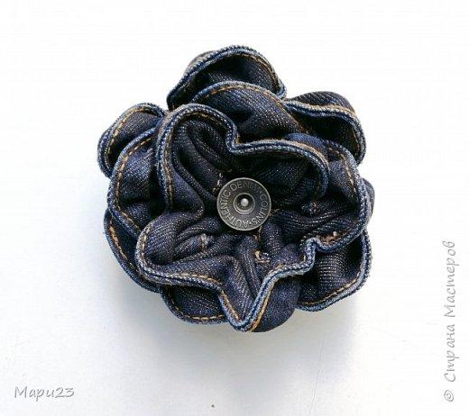 Создаю брошь цветок из джинсового пояса