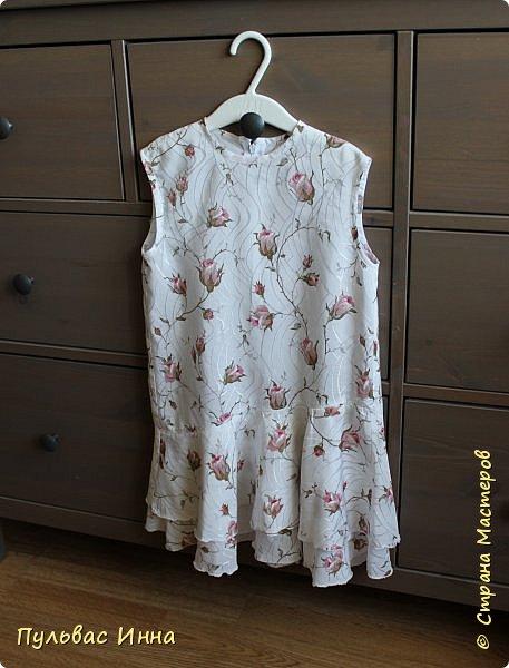 Здравствуйте дорогие мастера. Приехала я в гости к внучке. Доченька мне сказала, что очень много скопилось старых джинс и есть платья  оставшиеся от бабушки, может я чего-нибудь придумаю.... вот и получилась у меня такая коллекция) фото 9
