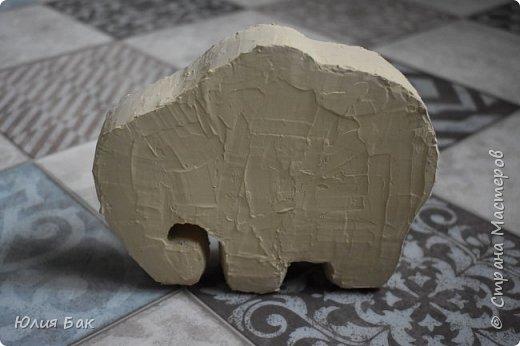 Увидела я как-то на просторах интернета одного очень интересного слоника. Ну а как же.....я ведь тоже такого ХОЧУ )))))) Решила я его смастерить......из картона...  фото 9