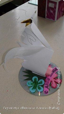 Всем Добрый день !!! Завтра  праздник - День Матери!!!   Мы с ребятами приготовили сувениры  -Лебедушек, чтобы поздравить наших любимым мамочек. Ведь лебедь  это символ возрождения . чистоты, целомудрия, благородства, мудрости, поэзии и мужества, совершенства!!! У всех ребят получились замечательные сувениры!!!   фото 10