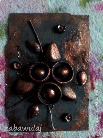 """Я сделала заготовки из картона,сверху крафт бумага,шпалерная,листья березы,смородины,семечки от потиссонов, на двух кедровые орешки,бусины-цветочки,и желудиные """"шапочки"""")))) а внутрь шапочек вклеены маленькие пенопластовые шарики) первой выбирает Ирина( Ассорти 65) фото 4"""
