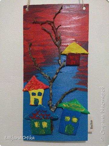 второй раз делаю такие работы с детьми,,,и каждый раз получаются они по разному,,,в это раз сделали меньше  домиков из глины,,но дополнили картинки вертикальными веточками фото 8