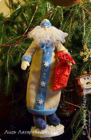 Здравствуйте дорогие гости и жители Страны! Сегодня я с подставками для кукол. А в их показе мне помогут чудесные куколки замечательного и очень позитивного человека и мастера с золотыми руками Виктории Московкиной. Первым выходит на сцену Ангелочек. фото 7