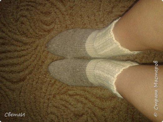 Вот и средина осени! Пора утепляться. Шерстяные носки очень пригодятся зимой. фото 2