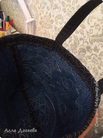 Вот такое одеяло я дошила летом,а начато было 4 года тому назад.Размер 165 х 200 см.  Ткани специальные для пэчворка,когда то был куплен набор роллов ,ширина полосок 5.5 см. фото 10