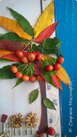 Здравствуйте!!! Ежегодно, в октябре, в нашей школе проводится  Праздник Золотой Осени. И дети с большим удовольствием принимают в нем участие. Готовят костюмы, сценки, поделки из природного материала. фото 10