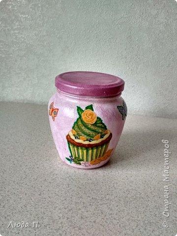 Здравствуйте, решила попробовать себя в декупаже, сделала себе такие нарядные баночки для кухни. фото 2