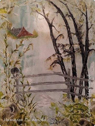 Здравствуйте дорогие соседи СМ! Создалась небольшая серия картин на деревенскую тему. За основу взяла разные картины из интернета: от одной дерево, от другой забор, от третьей птиц. С птицами и зверями у меня напряженка (не дано мне воображение) , поэтому что получилось. Фон прокатывала валиком на горячей подошве утюга, потом рисование каутерием с разными насадками. Все картины размером А3. фото 3