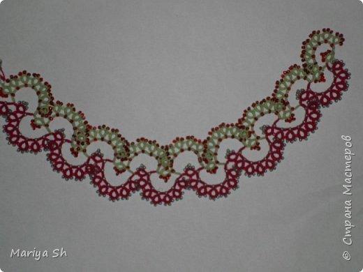 """Ожерелье, браслет, сережки выполнены в технике фриволите с бисером. Данный комплект сделан в подарок для десятилетней девочки. Схемы взяты из книги Т. Уткиной """"Чудесные кружева"""". фото 3"""