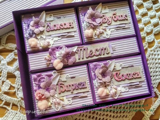 Всем привет!!! Сегодня покажу сокровища которые делала на заказ. Чип окрашен акриловыми красками и покрыт пудрой для эмбоссинга, цветочки покрыты глиттером, поэтому все переливается и блестит. фото 6