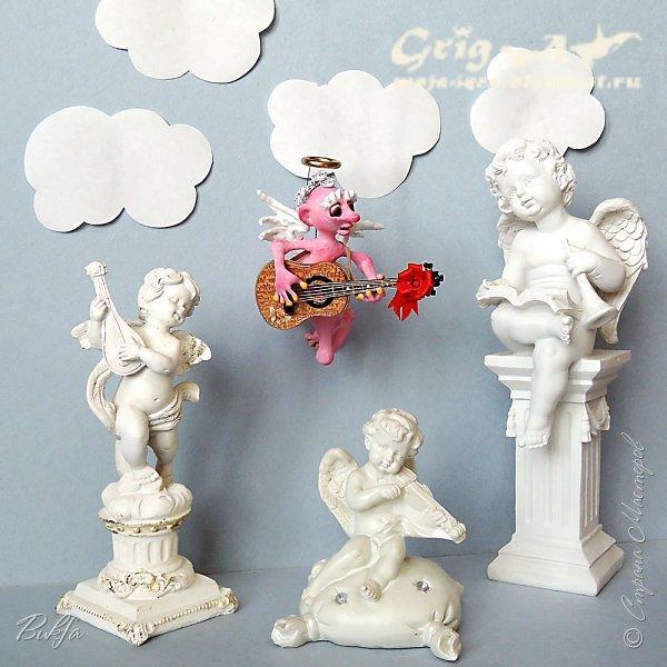 Ангел красив и размашист, Ангел высок и строен, У ангела русы кудри, У ангела кроток взгляд. Е.Грант ------------------------------------------------------------------------------------------------------- Всем привет! Вот и крайний ангел присоединился к нашему ангельскому оркестру. А заиграл он на классической гитаре, и зовут его Савва.