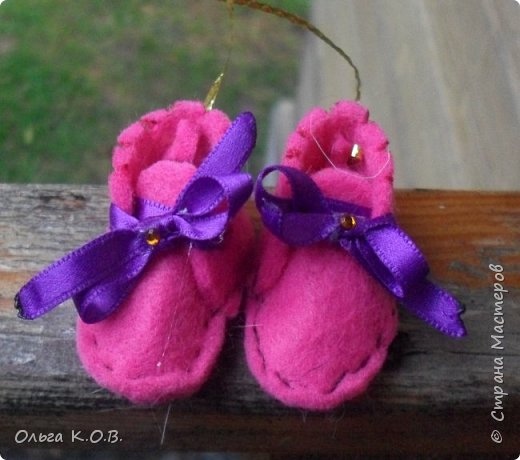 МИНИ- Обувь,варежки на елку фото 2