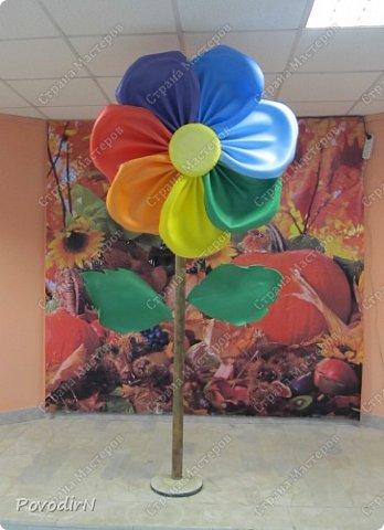 Вот и я добралась до ростовых цветов из изолона. фото 11