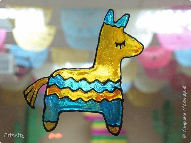 В этом году в школе темой новогодних украшений были разные страны. Помогла коллеге украсить класс в мексиканском стиле. фото 9