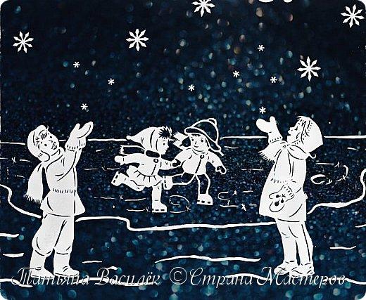 Наше окошечко с Новогодними Чародеями, которые дарят детям чудо!  Самый сказочный праздник в году, Когда взрослые верят, как дети, Что создал толстый лёд на пруду Самый сказочный маг на планете. Пусть приносит он белый снежок, Колыбельные песни метелей, Пожеланий огромный мешок, Изумрудность раскидистых елей. Волшебство новогодних затей, Разноцветье сверкающих льдинок. И весёлые лица друзей, И мечты из прекрасных картинок. И горящий огонь доброты, И в душе мелодичные звуки. Чтоб хватило нам всем теплоты! Чтобы нас обходили разлуки! (Яна Ярошевская-Молозовенко)  За шаблоны Чародеев огромное спасибо автору Екатерине Михеевой.  фото 3