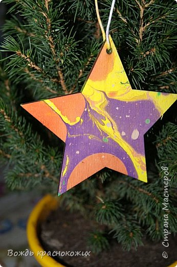 Рождественская звезда на праздничной ёлке у Знаменского храма в г. Дивногорске. фото 4