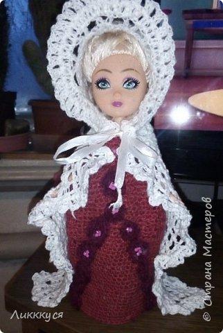 У дочери сломалась любимая кукла (поломались ноги). Решила попробовать, что-то с ней сделать, как-то ее отремонтировать. Взяла для этого все, что нашлось под рукой бутылку от сока, поролон, проволоку.  фото 9