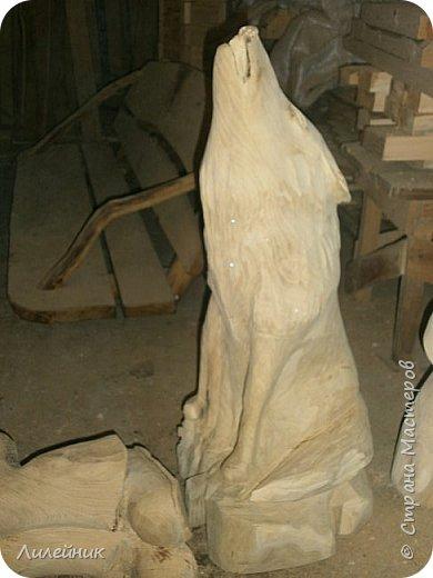 Здравствуй, Страна!  Представлю сегодня работы моего соседа, сделаны из дерева. Из инструментов он использует только бензопилу и болгарку. фото 22