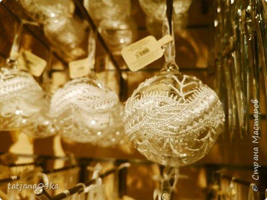 """Обожаю фотографировать """"детали"""",, детали праздников,детали в природе,маленькие радости,,,,, наслаждаюсь процессом ,,,,В этот раз обьектом сьёмки стал  магазин,в котором просто прогулялась,,рождественские венки,разнообразие гирлянд,это только маленькая малость,что попало в мой обьектив,,, фото 18"""