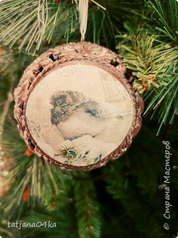 """Обожаю фотографировать """"детали"""",, детали праздников,детали в природе,маленькие радости,,,,, наслаждаюсь процессом ,,,,В этот раз обьектом сьёмки стал  магазин,в котором просто прогулялась,,рождественские венки,разнообразие гирлянд,это только маленькая малость,что попало в мой обьектив,,, фото 19"""