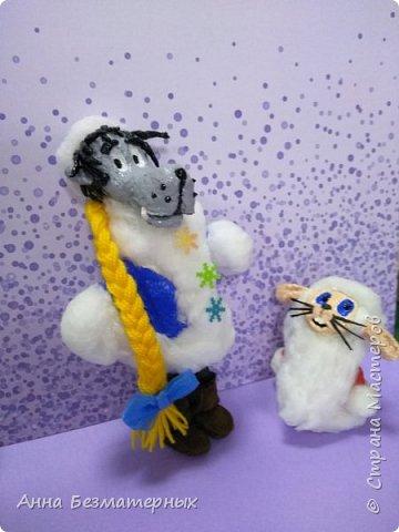 """Попросили сделать в школу волка и зайца из """"Ну погоди"""" в новогодних костюмах.Высота волка 22 см, заяц 10 см. фото 2"""