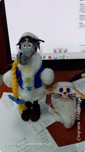 """Попросили сделать в школу волка и зайца из """"Ну погоди"""" в новогодних костюмах.Высота волка 22 см, заяц 10 см. фото 3"""