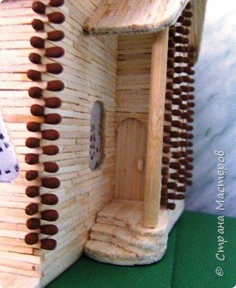"""Деревянная церковь в с. Пески. Всё началось с вопроса Оленьки У""""А Ваши работы есть в музеях?"""". Именно она связалась с администрацией Шаховского музея (Московская обл.) и на все лады расхваливала меня. Мне предложили сделать макет деревянной церкви из спичек. На территории района в с. Пески находится этот храм Сретения Господня (1774-76 г.г. постройки). Этого макета могло и не быть, если бы не помощь Директора музея Яйцовой Т.А. Это её стараниями были добыты некоторые фотографии и планы церкви с размерами, что позволило сделать макет в масштабе 1:50.  фото 114"""