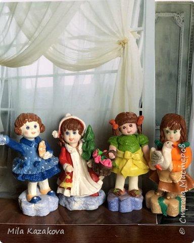 Все куколки сделаны из соленого теста, на каркасе. Лица разрисованы гуашью. Высота фигурок 9 см фото 6