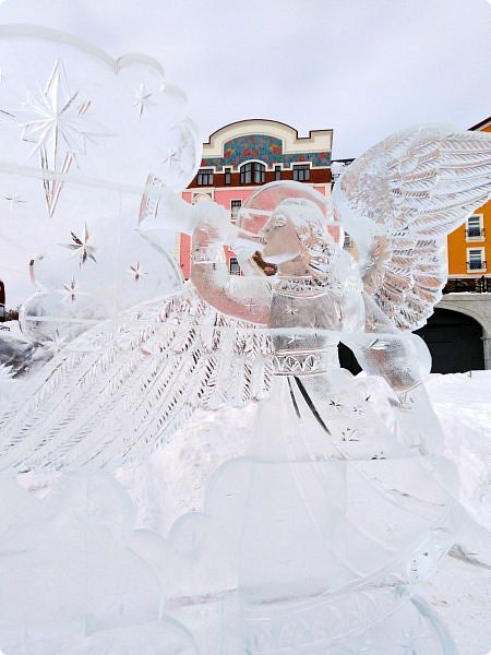Здравствуйте! Новогодние праздники промчались, отшумели, подарки розданы, остались лишь фотографии, того, что едва успела запечатлеть. Первый набор стеклянной посуды с сюжетом сказочного города. фото 33