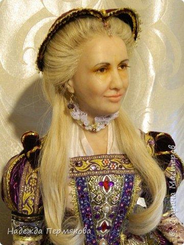 Великолепная портретная кукла выполнена из цернита размером 60 см.