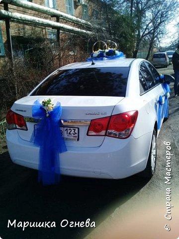 Много)) Свадебных  украшений на авто фото 2
