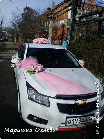 Много)) Свадебных  украшений на авто фото 5