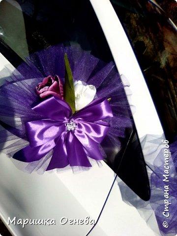 Много)) Свадебных  украшений на авто фото 8