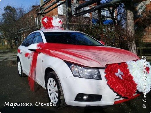 Много)) Свадебных  украшений на авто фото 14