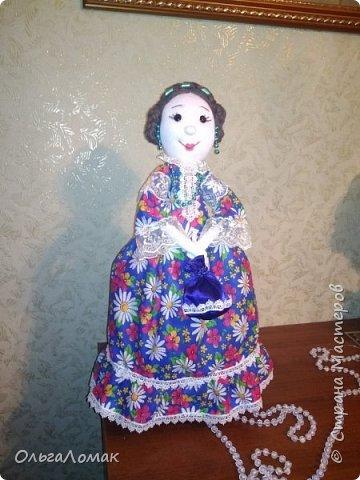 Кукла на чайник сделана из натуральных материалов, в мешочке лежат травы: чабрец , душица, зверобой.  фото 1