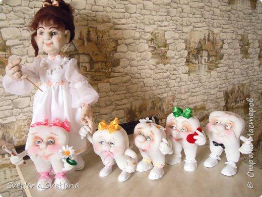 Зубная фея и ее подопечные были  изготовлены для участия в выставке. фото 3