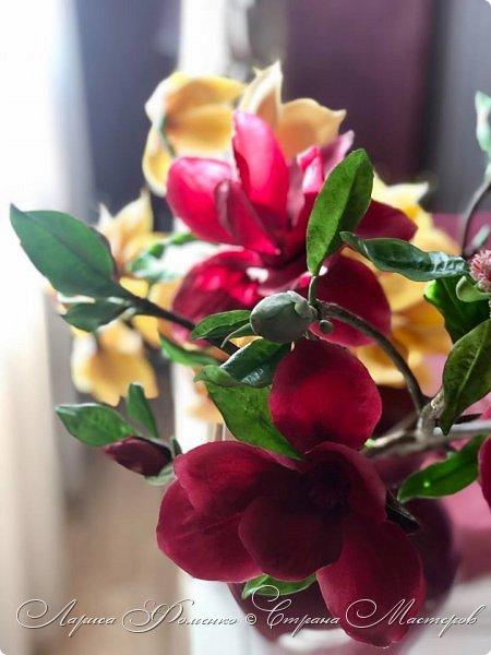 """Букет готов!!! Орхидеи цимбидиум и магнолии сорта «Magnolia liliiflora Nigra"""" Полностью ручная работа из специальных флористических глин! За кадром остались несколько месяцев кропотливого труда, с использованием авторских методов тонировки и прочих личных наработок. На сегодняшний день-это самая масштабная работа у меня!  фото 8"""