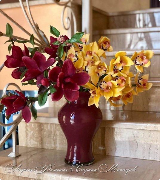"""Букет готов!!! Орхидеи цимбидиум и магнолии сорта «Magnolia liliiflora Nigra"""" Полностью ручная работа из специальных флористических глин! За кадром остались несколько месяцев кропотливого труда, с использованием авторских методов тонировки и прочих личных наработок. На сегодняшний день-это самая масштабная работа у меня!  фото 1"""