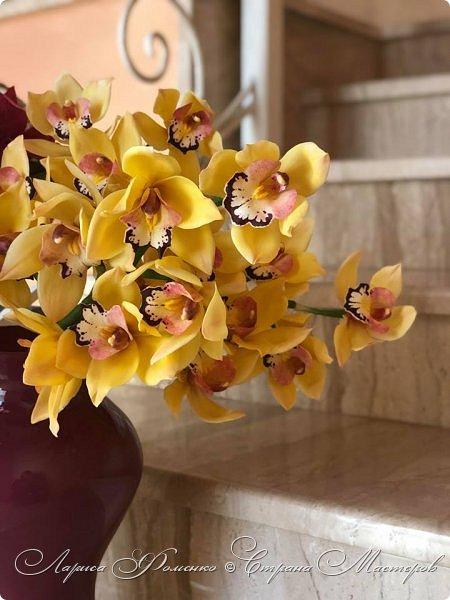 """Букет готов!!! Орхидеи цимбидиум и магнолии сорта «Magnolia liliiflora Nigra"""" Полностью ручная работа из специальных флористических глин! За кадром остались несколько месяцев кропотливого труда, с использованием авторских методов тонировки и прочих личных наработок. На сегодняшний день-это самая масштабная работа у меня!  фото 3"""