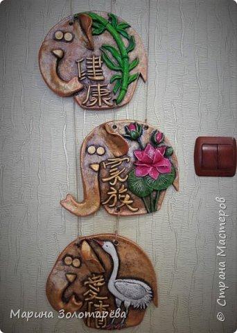 Здравствуйте, друзья! Идею этого интересного триптиха подсмотрела тут , в СМ.  Это композиция с восточными слонами и символами, обозначающими ЗДОРОВЬЕ (бамбук), СЕМЬЮ (лотос), ЛЮБОВЬ(журавль).  фото 3