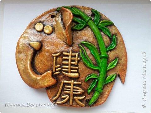 Здравствуйте, друзья! Идею этого интересного триптиха подсмотрела тут , в СМ.  Это композиция с восточными слонами и символами, обозначающими ЗДОРОВЬЕ (бамбук), СЕМЬЮ (лотос), ЛЮБОВЬ(журавль).  фото 4