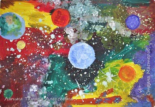 """Приближается День Космонавтики. И Даринка """"полетела"""" в космос (4г)."""