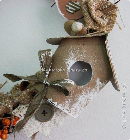 Изготовление мини-скворечников можно приурочить к Международному Дню птиц (ежегодно 1 апреля).А можно их мастерить всю весну - ведь маленький птичий домик - символ прихода весны. Из каких подручных материалов мы делали домики?  фото 7
