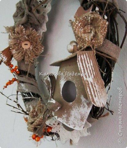 Изготовление мини-скворечников можно приурочить к Международному Дню птиц (ежегодно 1 апреля).А можно их мастерить всю весну - ведь маленький птичий домик - символ прихода весны. Из каких подручных материалов мы делали домики?  фото 8